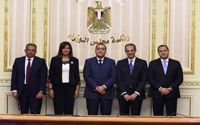 مدبولي يشهد توقيع بروتوكول لتسهيل التحويلات البريدية للمصريين بالخارج
