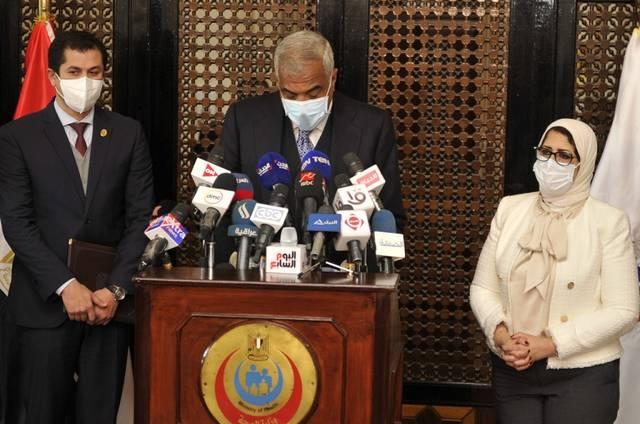 """الصحة توقع بروتوكولاً مع """"تحيا مصر"""" وطلعت مصطفى لتوفير لقاح كورونا لمليوني مواطن"""