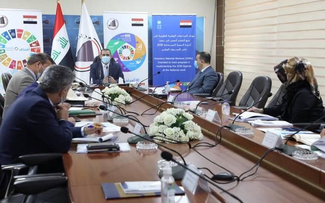 وزير التخطيط العراقي، خالد بتال النجم، خلال ترؤسه الاجتماع الأول للجنة الوطنية للسياسات السكانية