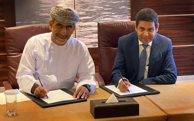 جانب ممن توقيع الاتفاقية
