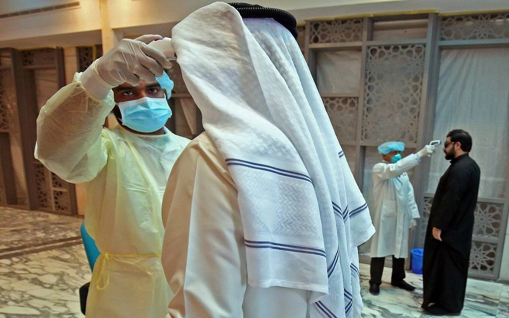 """الإمارات تسجل 1520 إصابة جديدة و4 وفيات بـ""""كورونا"""".. الجمعة"""