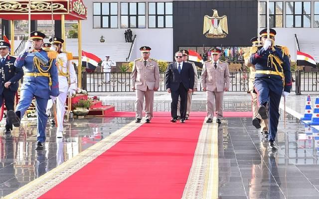 الرئيس المصري عبدالفتاح السيسي يزور النصب التذكاري للجندي المجهول