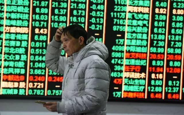 الأسهم اليابانية ترتفع في الختام مع ضعف الين