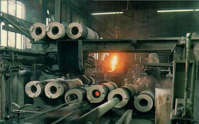 داخل مصنع الشركة في الكويت