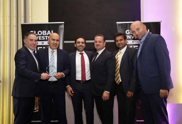 """جائزة أفضل شركة وساطة مالية تتسلمها شركة """"مباشر للخدمات المالية"""""""