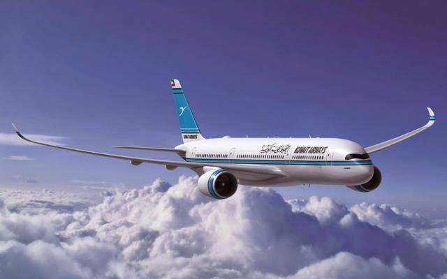 """إحدى طائرات """"الكويتية"""" تُحلق في السماء"""