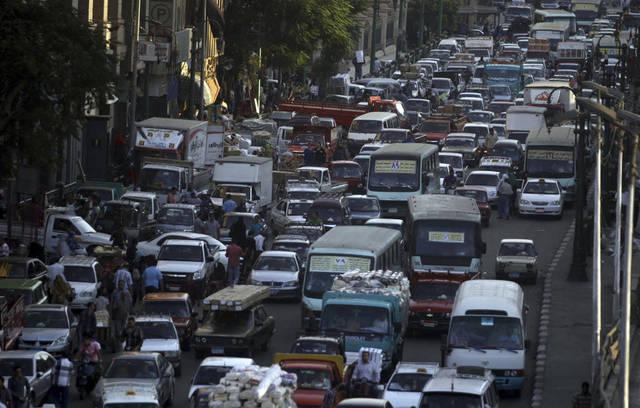 ازدحام مروري بأحد شوارع القاهرة - أرشيفية
