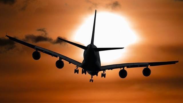 أحد الرحلات الجوية المغادرة لدولة الهند