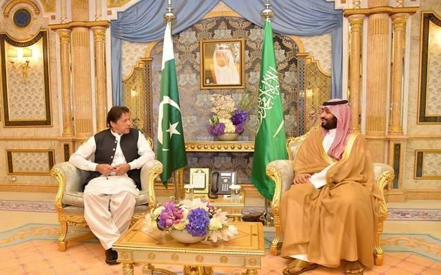 جانب من استقبال ولي العهد السعودي لرئيس الوزراء الباكستاني