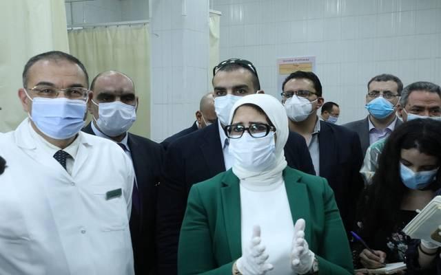 وزيرة الصحة خلال جولتها اليوم بمستشفى جمال عبدالناصر للتأمين الصحي
