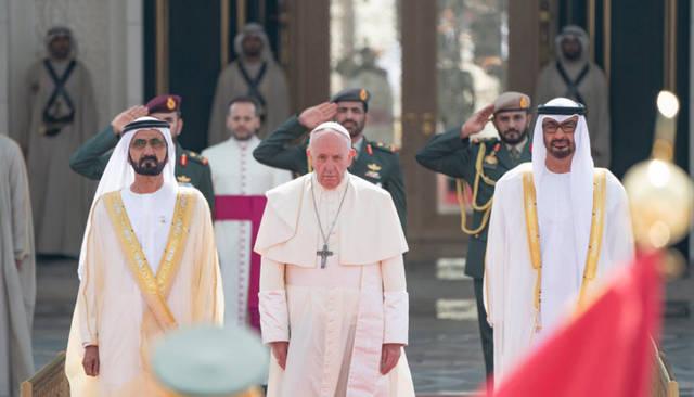 صور.. مراسم استقبال بابا الفاتيكان في قصر أبوظبي