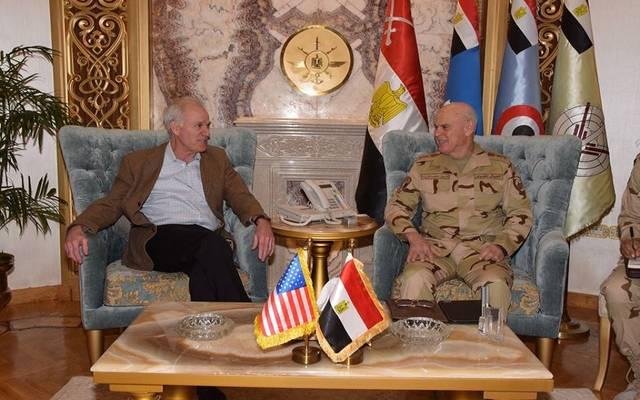 جانب من لقاء رئيس أركان حرب القوات المسلحة المصرية بوزير البحریة الأمریكي