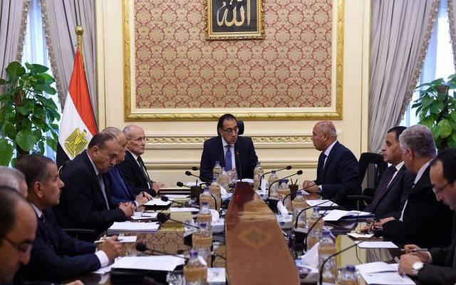 خلال اجتماع رئيس مجلس الوزراء بشأن توطين صناعة الجرارات وعربات السكك الحديدية
