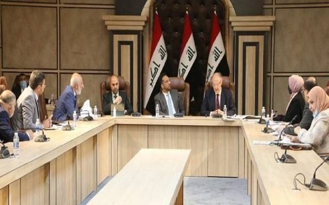 """The Iraqi Finance Minister pledges to facilitate the procedures of """"petrodollar"""" funds"""