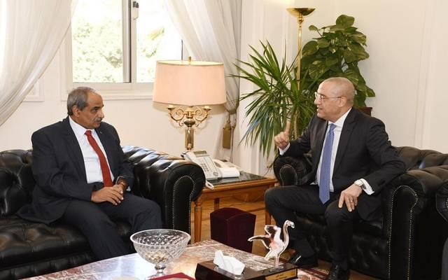 وزيرة الإسكان المصري خلال استقبال نظيره الفلسطيني