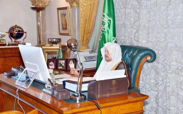 عبدالله آل الشيخ رئيس مجلس الشورى السعودي خلال ترؤسه الجلسة الماضية