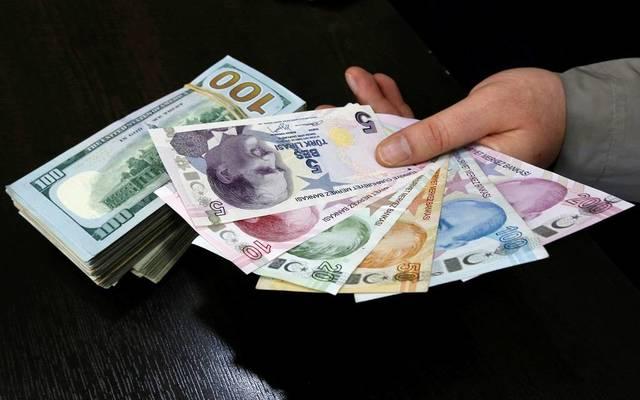 الليرة التركية تهبط لأدنى مستوى في 3 أشهر