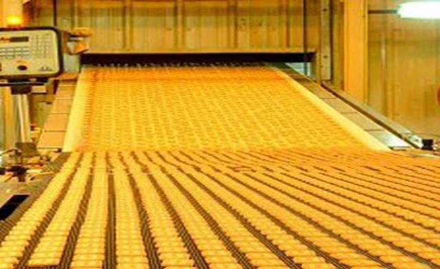 خطوط الإنتاج في مصنع للوطنية للبسكويت