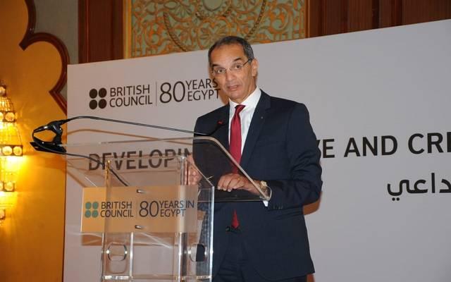 وزير الاتصالات وتكنولوجيا المعلومات المصري عمرو طلعت - أرشيفية