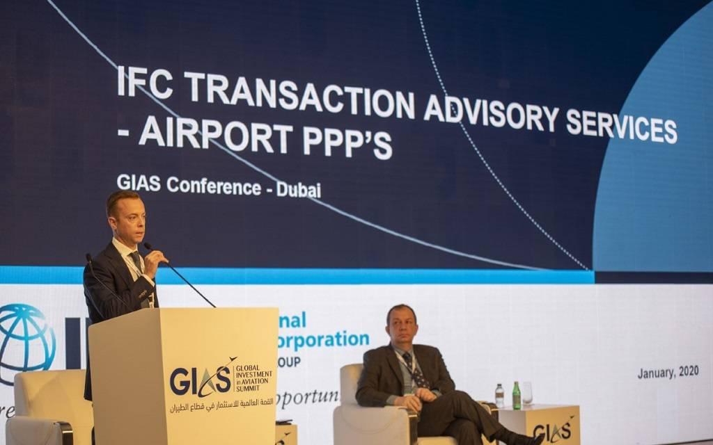 قمة دبي العالمية للاستثمار تبحث أبرز المشاريع والفرص بقطاع الطيران