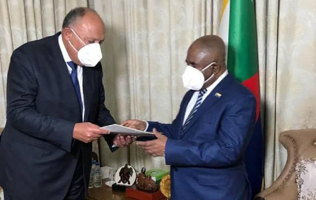 وزير الخارجية يسلم الرئيس القمري رسالة من السيسي بشأن مفاوضات السد الإثيوبي