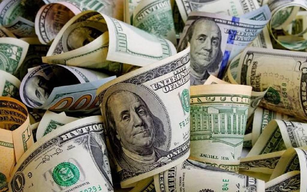استقرار الدولار الأمريكي عالمياً بالتزامن مع بيانات اقتصادية