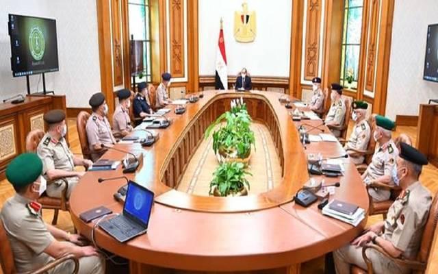 السيسي يناقش خطة تطوير ورفع كفاءة القوات المسلحة