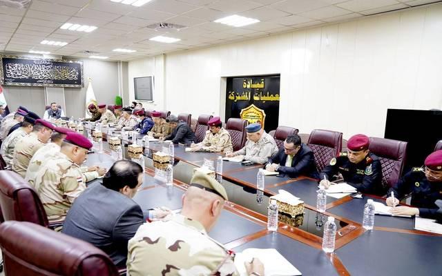 رئيس مجلس الوزراء العراقي خلال اجتماعه بالقيادات الأمنية والعسكرية