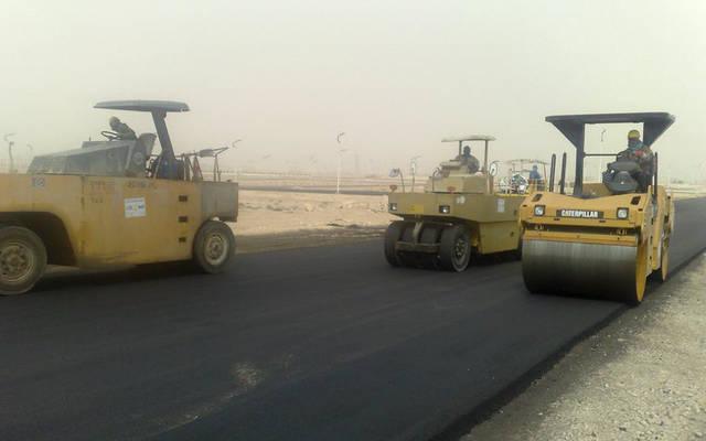 المناقصة تتعلق بصيانة عامة للطرق والساحات في محافظة مبارك الكبير