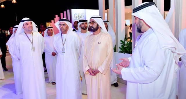 الشيخ محمد بن راشد آل مكتوم نائب رئيس الدولة رئيس مجلس الوزراء حاكم دبي خلال المعرض المصاحب للمنتدى العالمي الأفريقي للأعمال