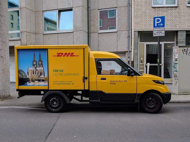 Amazon orders 40 EVs for deliveries in Germany