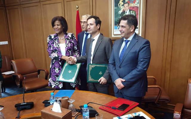 خلال توقيع اتفاقية القرض بين الجانبين