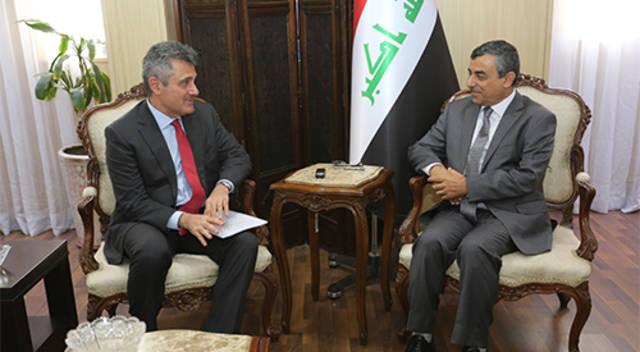 خلال لقاء الأمين العام لمجلس الوزراء العراقي والسفير الايطالي ببغداد