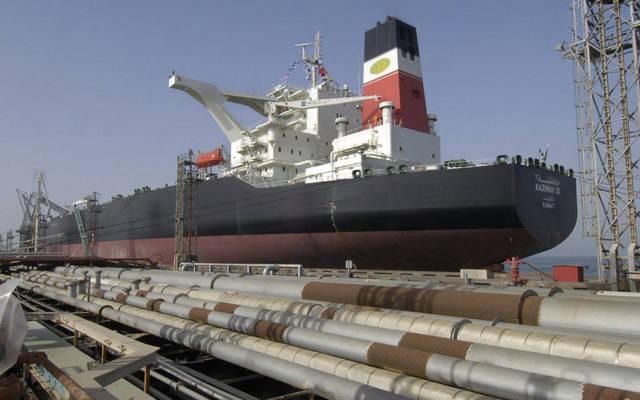 توقعات بوصول سعر برميل النفط إلى 58 دولاراً بنهاية 2017