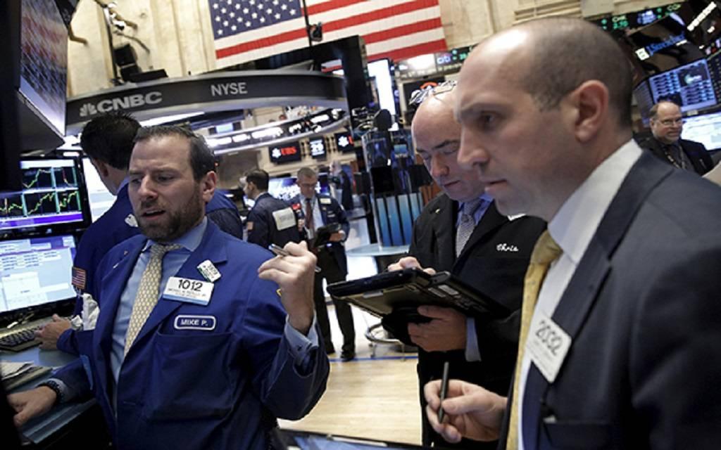 الأسهم الأمريكية تتراجع مع ترقب خطة الإصلاح الضريبي