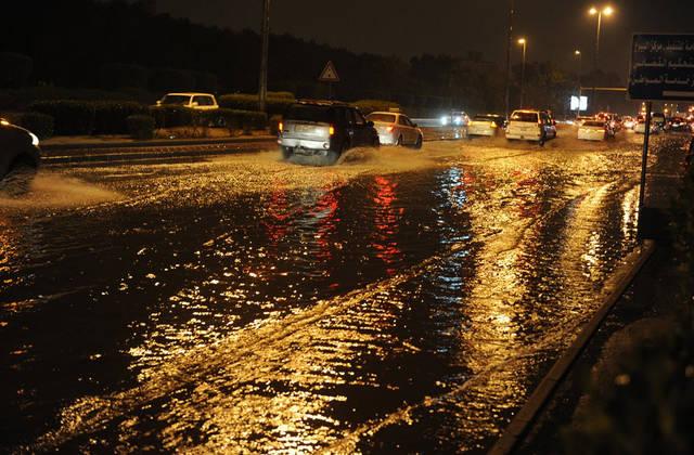 الكويت تلغي مباراة كرة قدم بسبب الأمطار الغزيرة