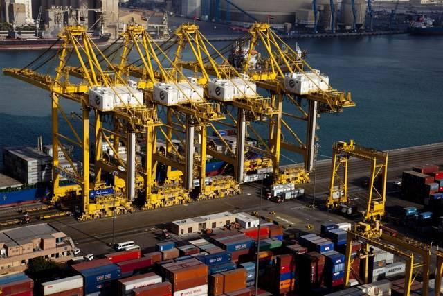 ميناء جبل علي المملوك لمؤسسة موانئ دبي العالمية