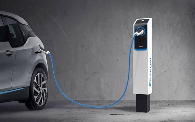وكالة: السعودية تدرس تأسيس شركة محلية لتصنيع السيارات الكهربائية