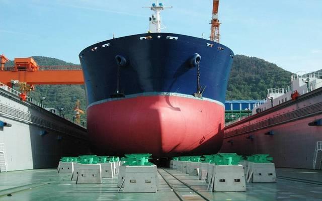 إحدى السفن البحرية