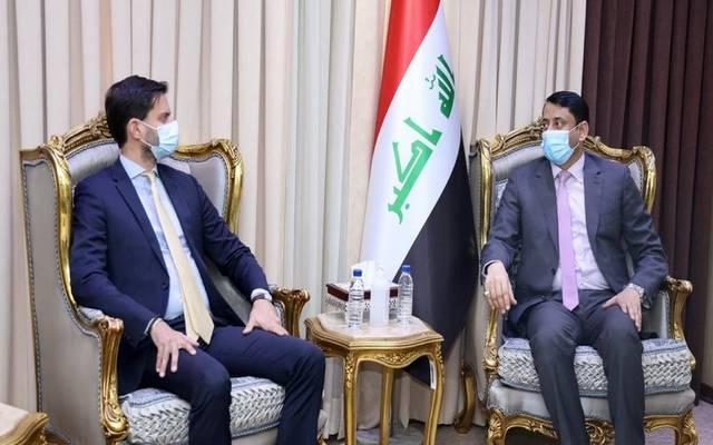 جانب من لقاء الأمين العام لمجلس الوزراء العراقي مع القائم بالأعمال الفرنسي