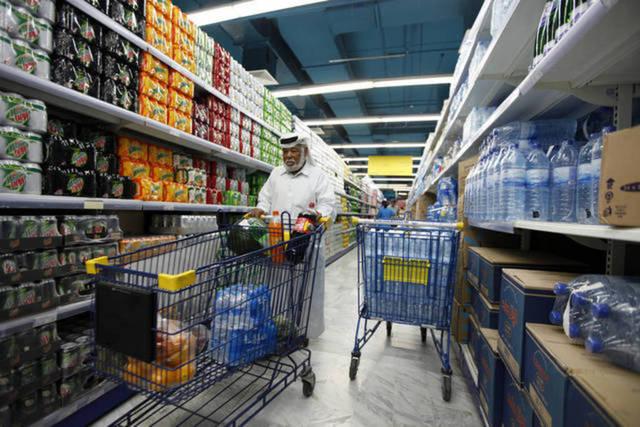 المضافة ترتفع بالتضخم في الإمارات خلال يناير