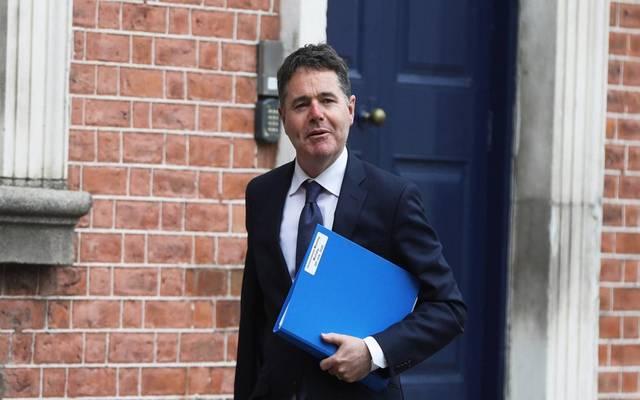 وزير مالية إيرلندا يفوز بمنصب رئيس مجموعة اليورو