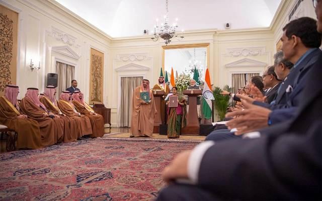 توقيع إحدى مذكرات التفاهم على هامش زيارة ولي العهد للهند بحضور وزير الطاقة السعودي خالد الفالح