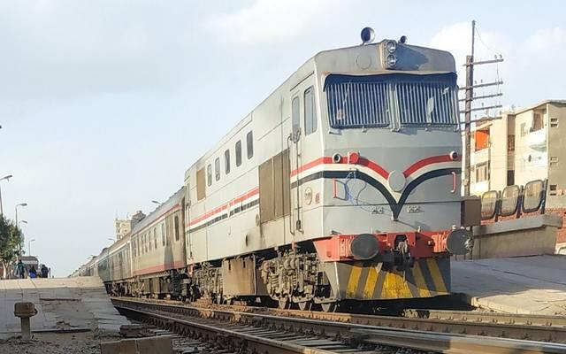 عاجل سكك حديد مصر تعلن اصطدام قطار ركاب بعربة ربع نقل معلومات مباشر