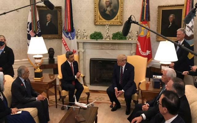 الرئيس الأمريكي دونالد ترامب مع وزير الخارجية الإماراتي الشيخ عبدالله بن زايد آل نهيان
