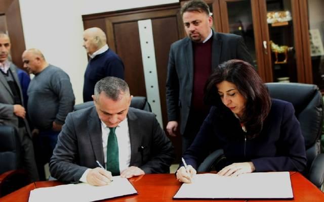 الاقتصاد الفلسطينية وغرفة صناعة محافظة الخليل توقعان اتفاقية لدعم التكنولوجيا
