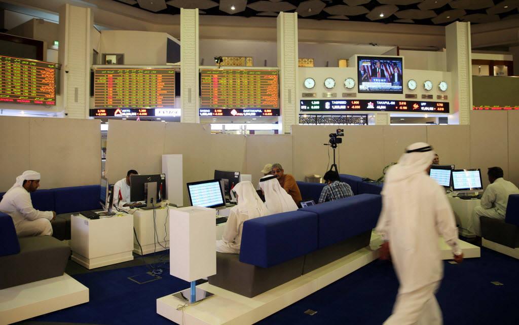 سوق دبي يتراجع للجلسة الثالثة على التوالي