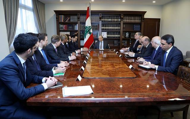 الرئيس اللبناني مع الوفد