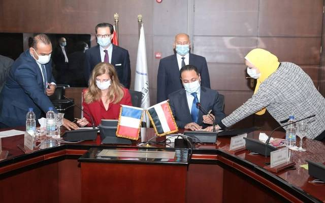 Egypt inks deal with French firm to operate new electric train