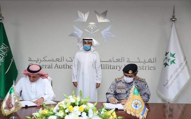 """على هامش توقيع الهيئة العامة للصناعات العسكرية السعودية عقد تصنيع وتوطين عربات عسكرية مدرعة جديدة تحت اسم """"الدهناء"""""""